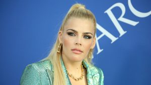 Busy Philipps 300x169 - Busy Philipps Bio,Measurements,Height,Age,Net Worth,Facts