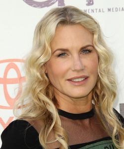 Daryl Hannah 250x300 - Daryl Hannah Bio,Measurements,Height,Age,Net Worth,Facts